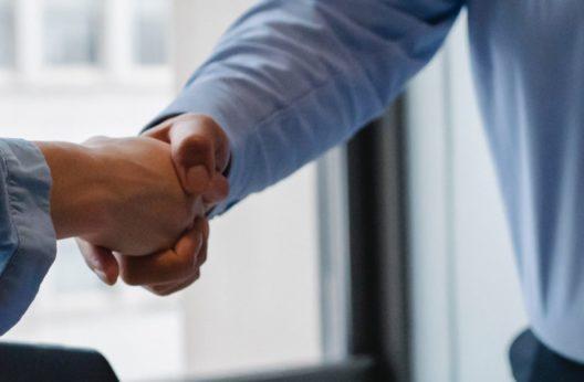 La création d'emploi et le recrutement d'un agent